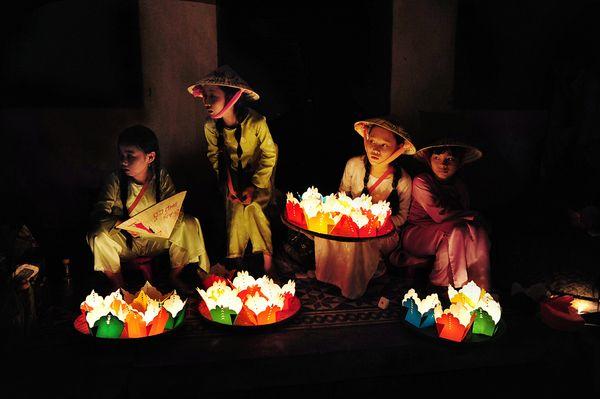 Lantern Sellers, Vietnam