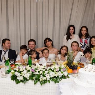 საქორწინო მაგიდა, ჩვენ და ბავშვები...
