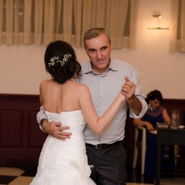 პატარძლის ცეკვა მამასთან...