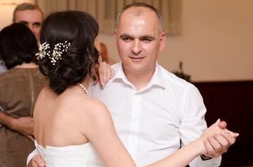 პატარძლის ცეკვა ბიძასთან...