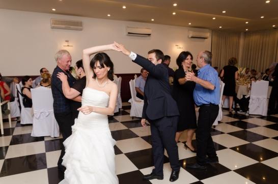 პატარძლის ცეკვა მეჯვარესთან...
